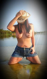 Save a horse...ride a cowgirl 😉