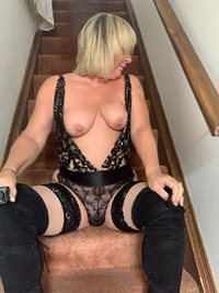 mmm would anyone like to come upstairs? xxx