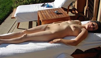 Naked in the sun for the golfers.
