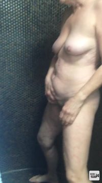 pee in the shower hope to find pee lovers and cum tributes love them