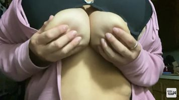 Oh my, my first video. I just had to play with my nipples after my little p...